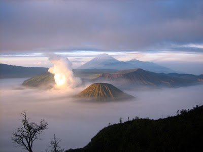 kawah indonesia